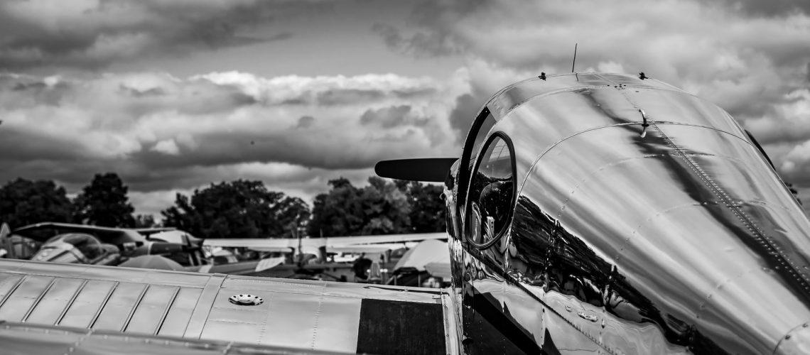 aircraft-3627991_1920